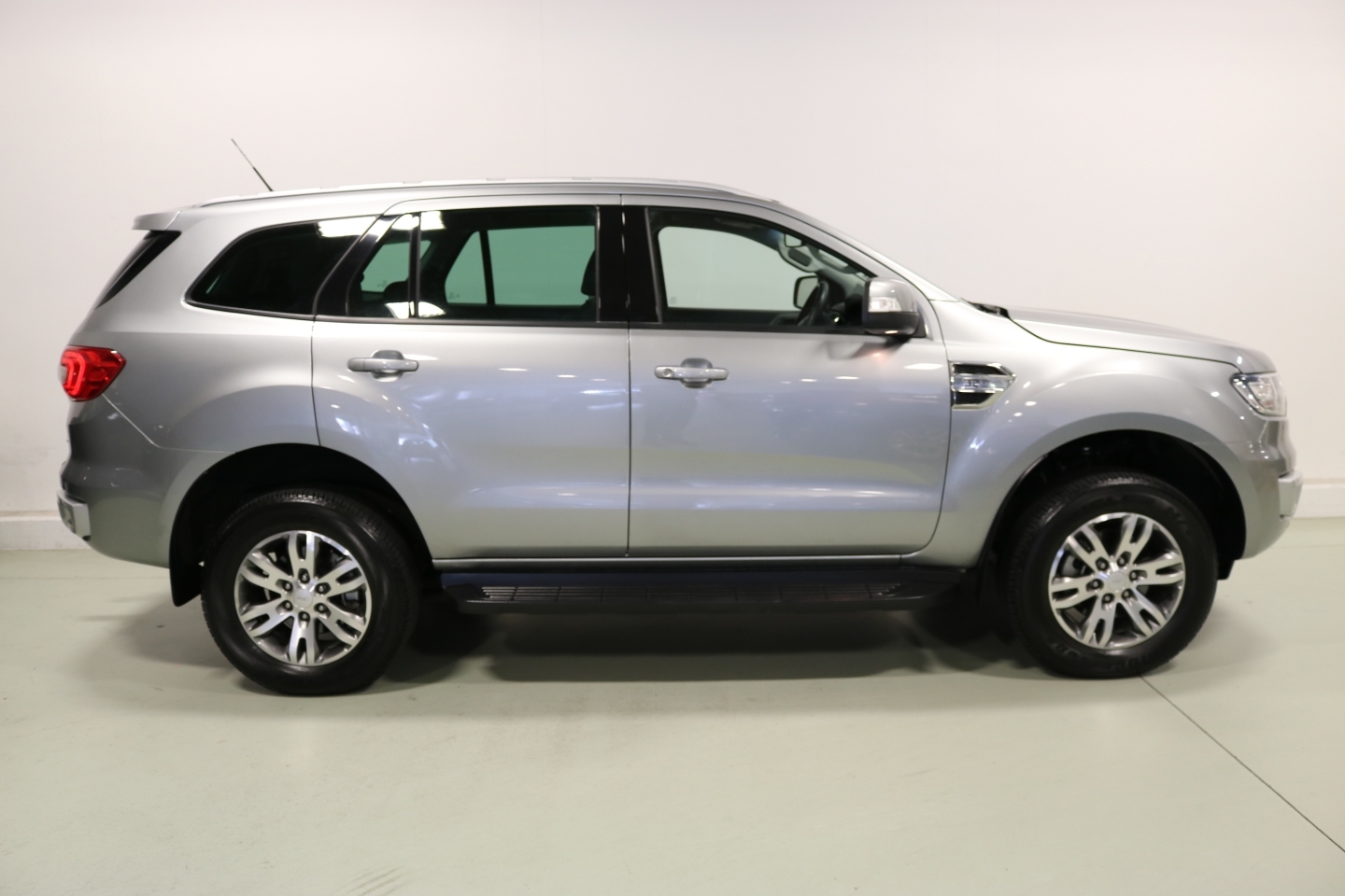 ford everest nz price with 1008986 on Toyota Fortuner A Future Favourite further 2014 furthermore Watch as well Plywood Sailboats further 999459948.