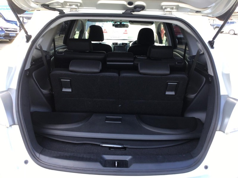 2009 Toyota Mark X Zio