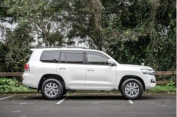 2021 Toyota Land Cruiser 4.6L V8 petrol